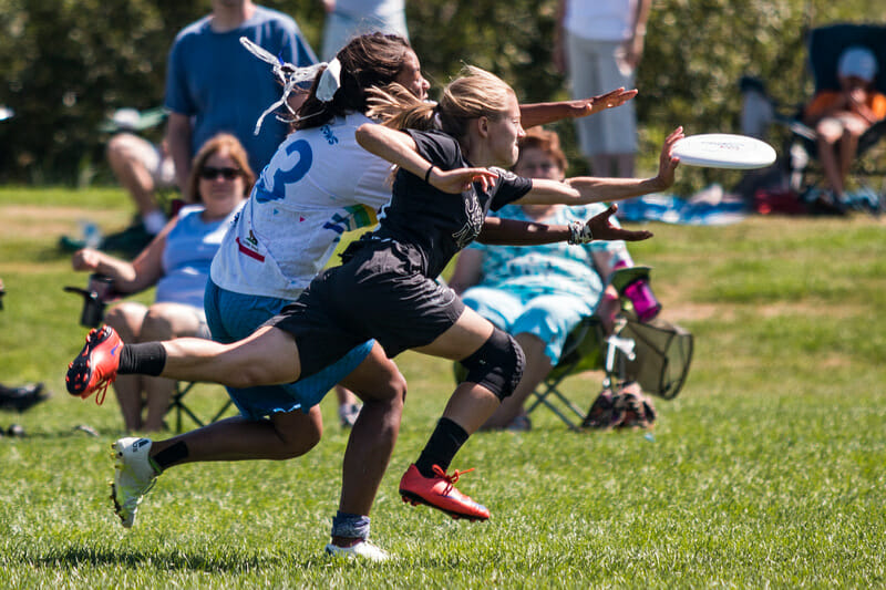 Ella Juengst gets the layout block for Swing vote in the 2016 YCC mixed final. Photo: Daniel Thai -- UltiPhotos.com